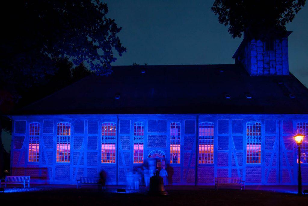 Kirche Nienstedten zur Nacht der Kirchen von Felsch Lighting Design inszeniert